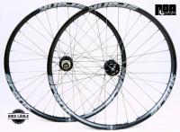 Spank Spike Race 33 Laufradsatz mit NOA 120klicks Naben 29 Zoll